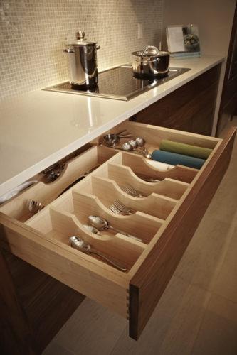 10 - Kitchen