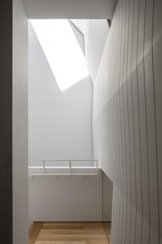 20 - Interior